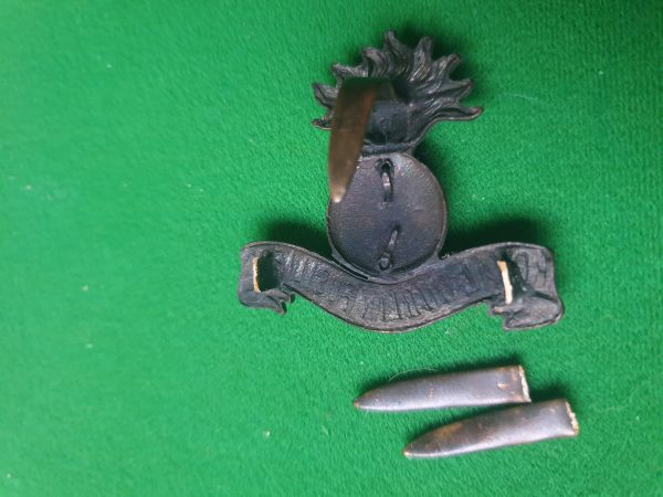 Badge and original blades included.